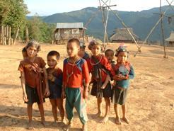 Enfants du village Akha