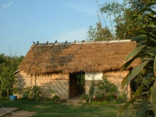 bungalow de style traditionnel, nord-ouest du Laos.