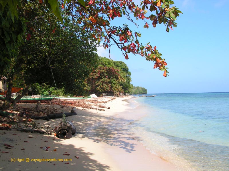 Source Photo : http://voyagesaventures.com