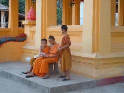 Jeunes moines bouddhistes du laos