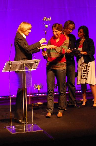 Maud Fontenoy recoit un Trophée d'Honneur