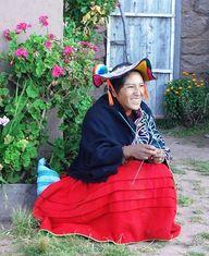 Pérou - Habitante de Llachon © Terra Andina