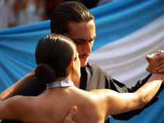 Danseurs de Tango – Plaza San Telmo à Buenos Aires - copyright Terra Patagonia