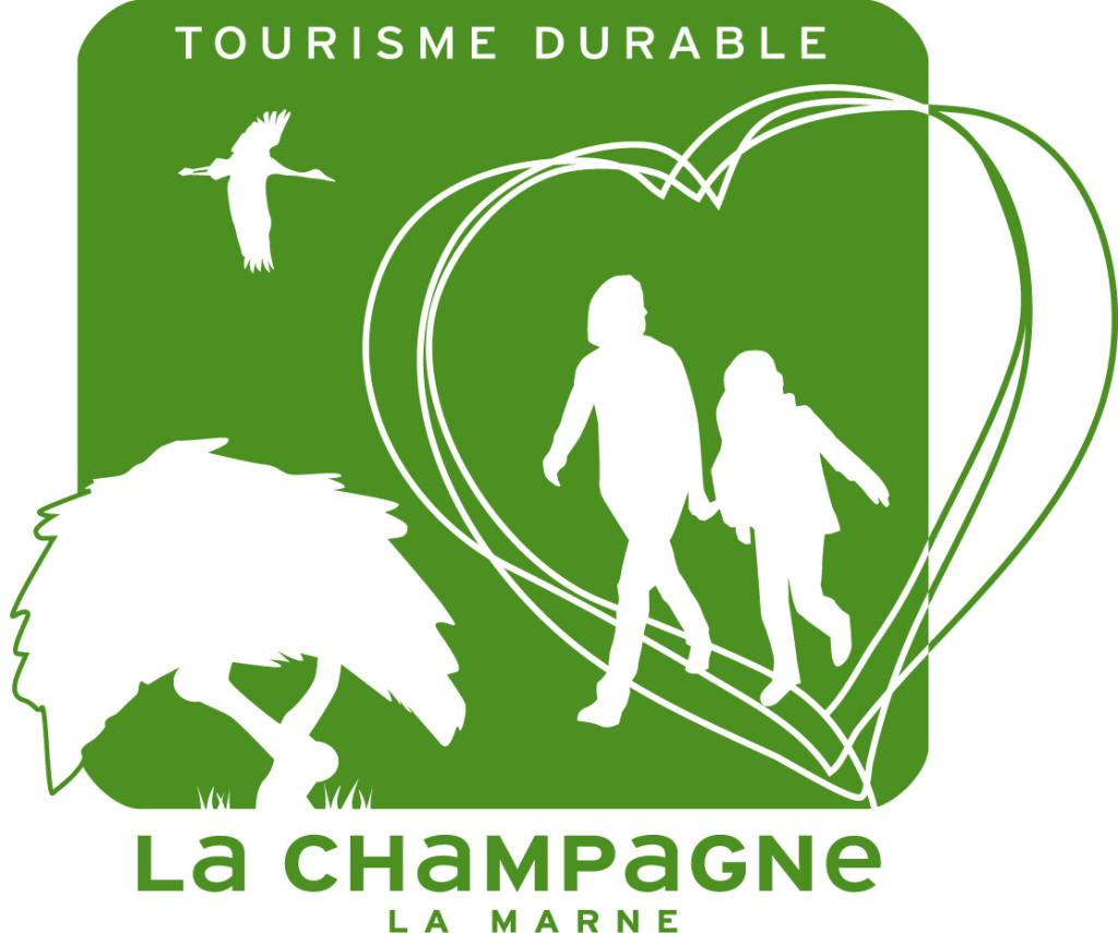 Affiche de la campagne tourisme durable de la Champagne / la Marne avec une cigogne, un adulte et un enfant au sein d'un coeur et un arbre dont les branches s'entrelacent