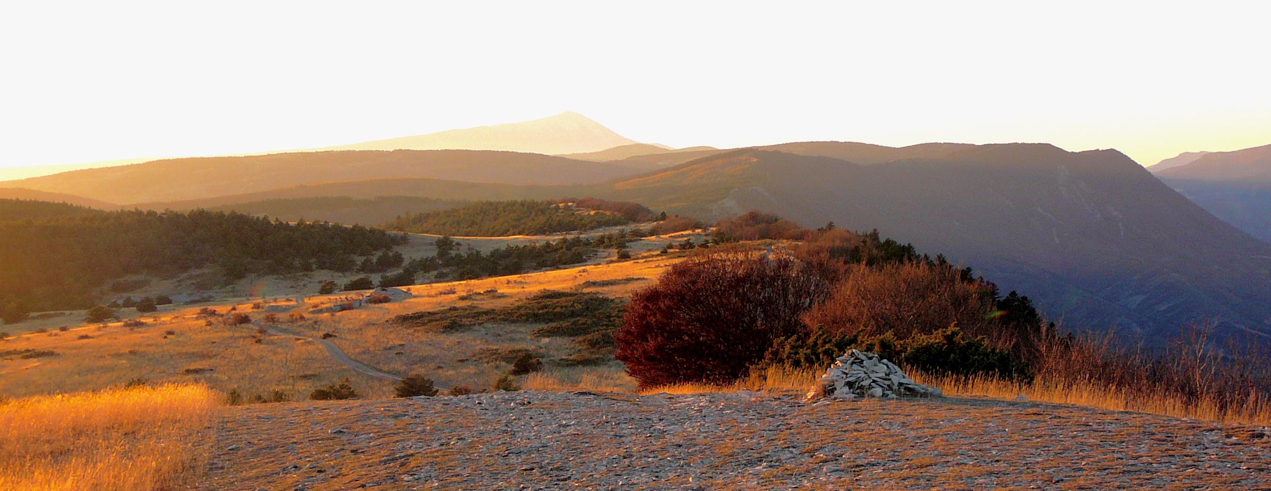 Coucher de soleil sur les sommets de Lure