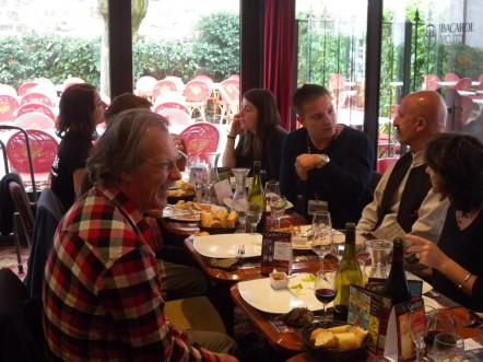 Le débat continue à table - Icare 2011