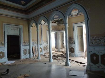 Intérieur de l'hôtel particulier abandonné Fonte da Pipa, au Portugal