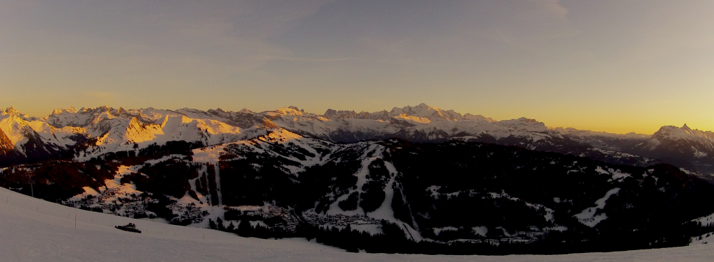pano-mont-blanc-sunset