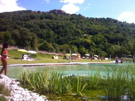Bassin biologique de Roquebillière avec une vue sur le biofiltre - Alpes-Maritime