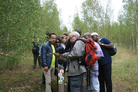 Participants dans le parc national Hoge Kempen