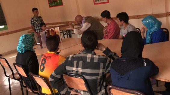 Reza et les enfants du collège de Trabant