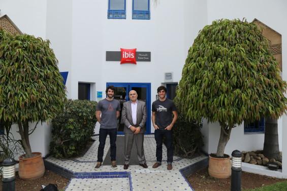 Jules et Raphael dans un hôtel Accor au Maroc