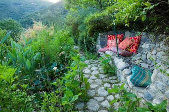 le jardin des Sambucs rayonnant dans la vallée