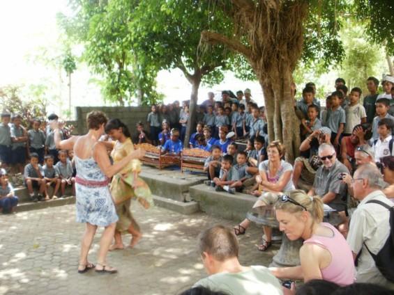 Rencontres voyageurs et Indonésiens