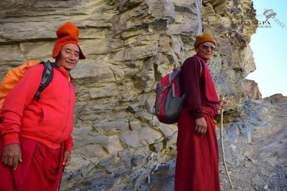 Moines du monastère de Phuktal au Zanskar