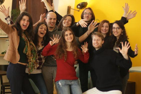 Ariane Vitalis entourée de son équipe d'un Monde réenchanté