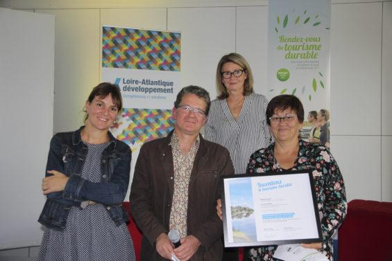Group av lo laur at des troph es du tourisme durable de - Office de tourisme de loire atlantique ...