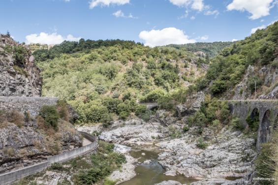 La vallée de l'Eyrieux en Ardèche ©Marion Prigent Photographie
