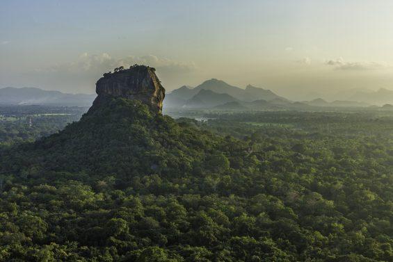 Pidurangala - Sri Lanka - Flickr CC