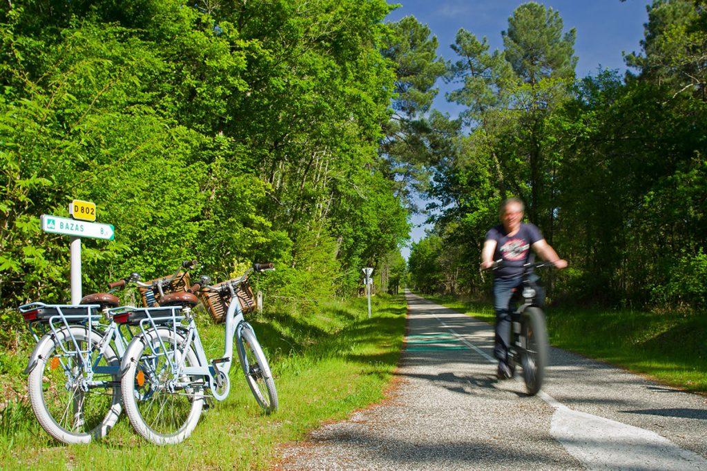 Chemins Solidaires vous emmène en voyage à vélo