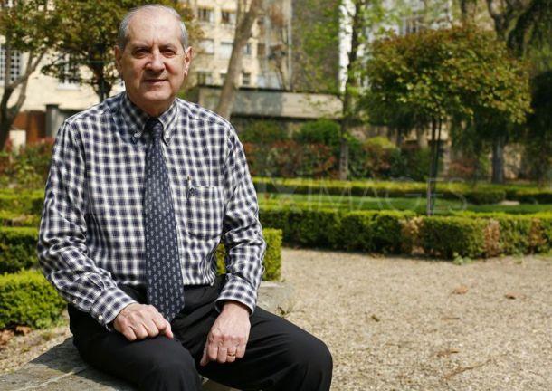 Membre de l'AFEST (Association Française des Experts Scientifiques du Tourisme) et professeur d'université longtemps responsable du pôle Ingénierie Touristique à la Sorbonne Nouvelle, Jean-Pierre Lozato-Giotart