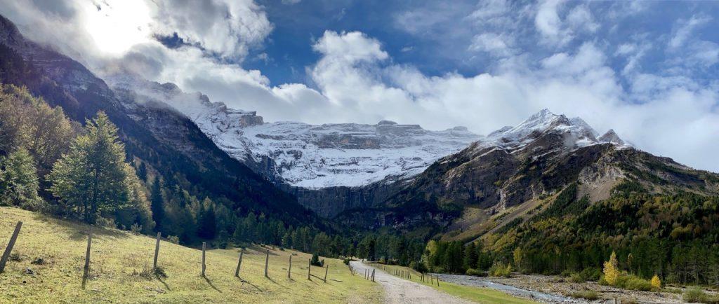 séminaire annuel au Val d'Azun de l'association AGIR POUR UN TOURISME RESPONSABLE - vue sur le cirque de Gavarnie