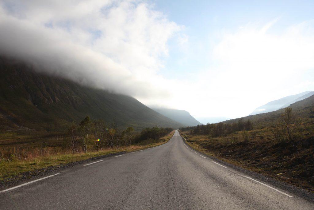 Pendant le confinement du printemps 2020, les routes et autoroutes étaient désertes.