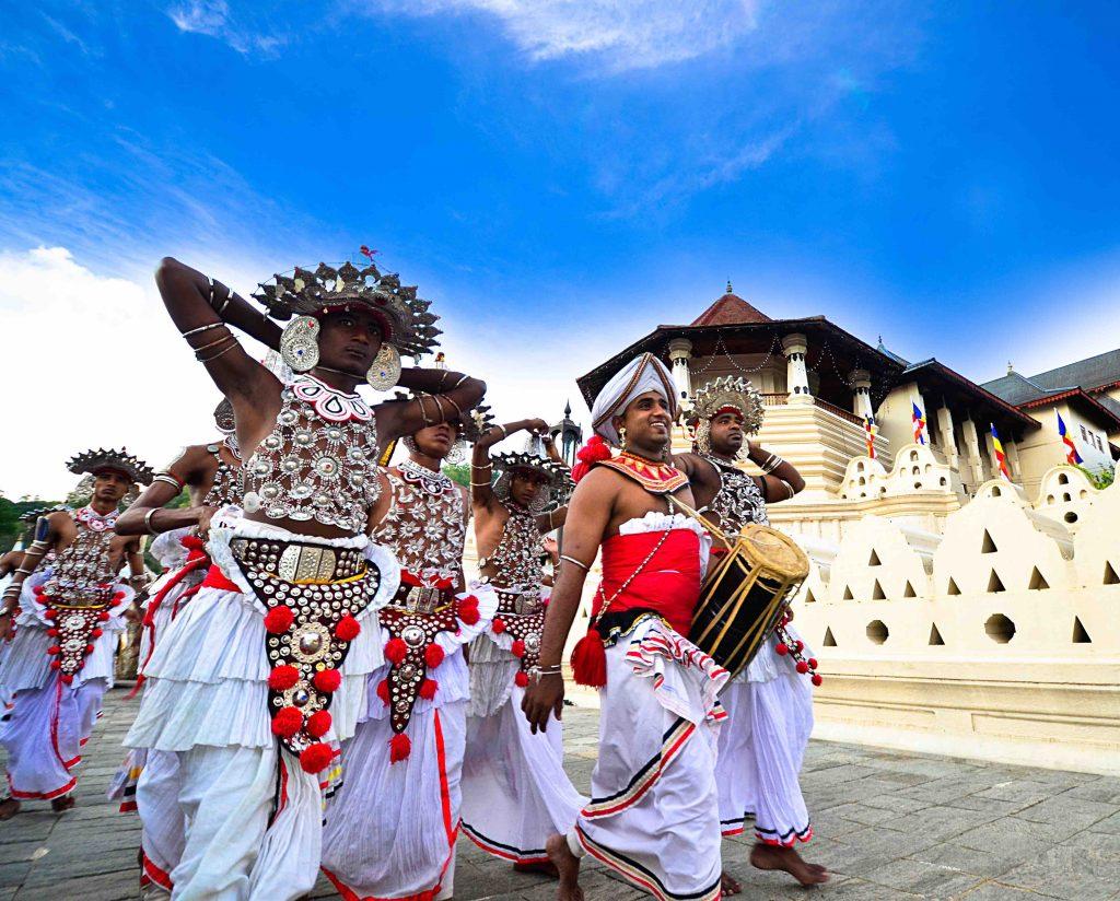 Mai Globe Travels, agence locale spécialisée dans le voyage sur mesure au Sri Lanka et au Vietnam.