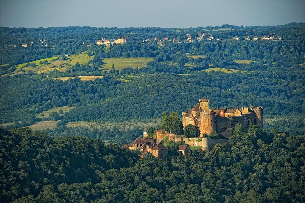 Chateau de Castelnau Loubressac, photo prise par Dominique VIET - CRT Occitanie