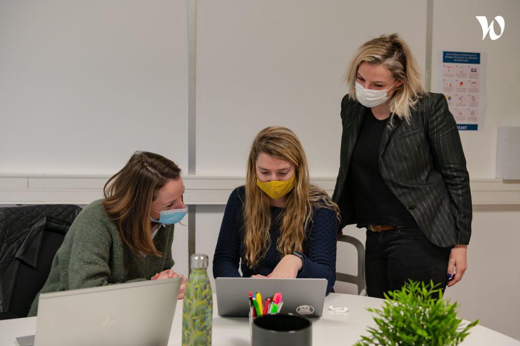 ESCAET étudiants travaillant pendant la période COVID