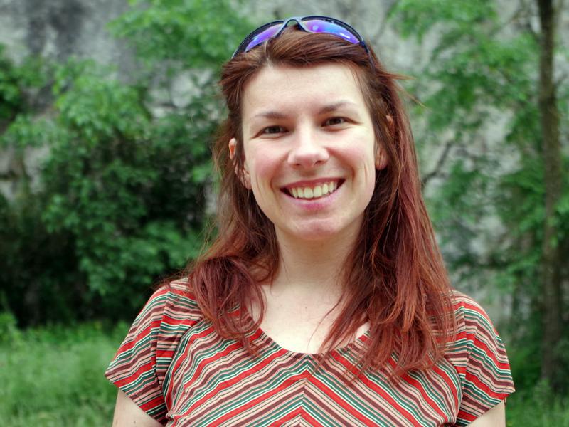 Portrait de Fiona Mille de face et souriante