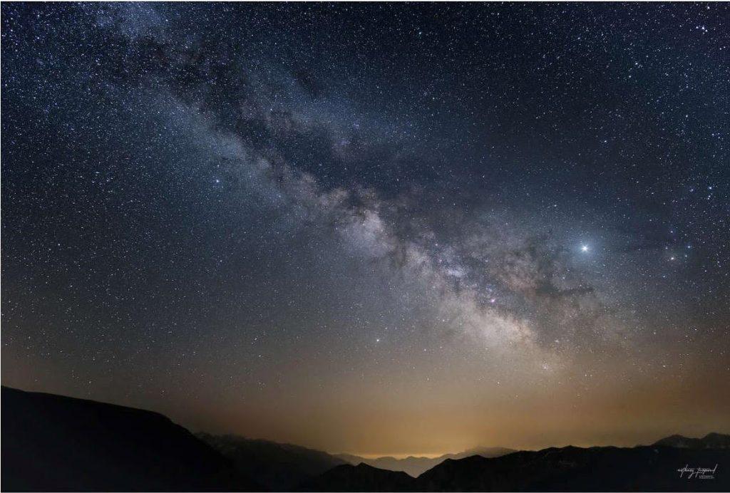 La voie lactée dans le ciel de la réserve de ciel étoilée du parc national du Mercantour © Anthony Turpaud