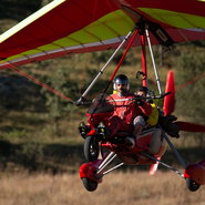 Atterrissage de l'ULM pendulaire après une balade dans les airs - Balade photo aérienne avec Manga Vagabonde (Copyright Stéphanie Vigetta)
