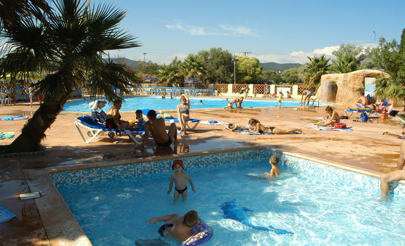 Camping port pothuau camping hy res en france for Camping queyras piscine