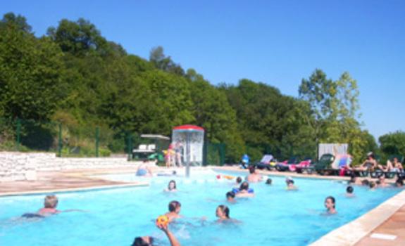 Camping le domaine du marais camping murol en france for Camping queyras piscine