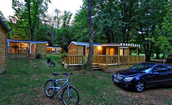 Camping de maillac camping sainte nathal ne en france for Camping queyras piscine